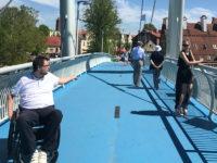 Kładka nad kanałem w Mikołajkach